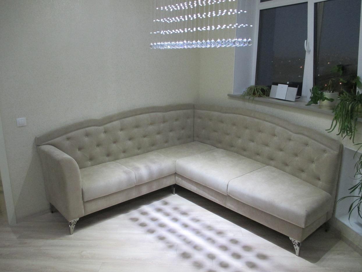 Готовый диван в помещении Заказчика